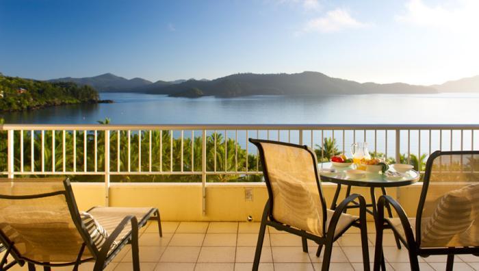 sea_view_whitsunday_apartments - TropicHolidays - Hamilton ...